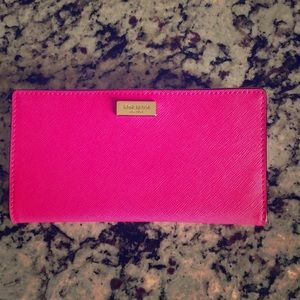 Kate Spade wallet, hot pink. Perfect condition